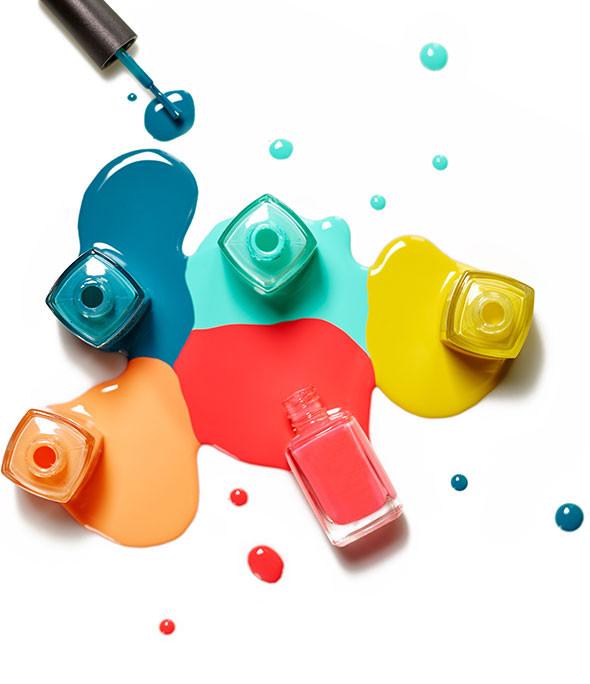 Nagellack in vielen Farben